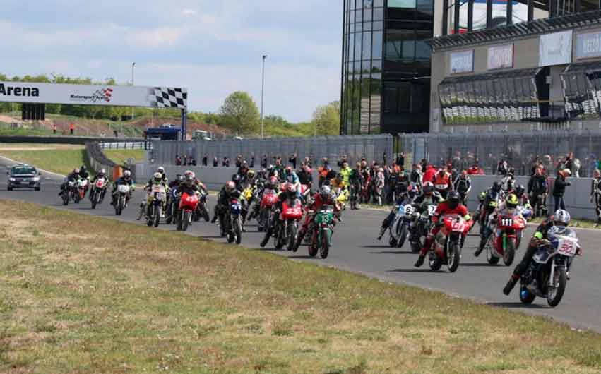 Oschersleben_Motorradrennen_LeMansStart